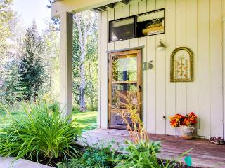 Dog-friendly, near a park & hiking trails! On the bus line. - Ketchum vacation rentals