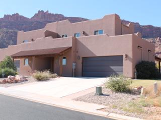 SG2 | LUXURIOUS MOAB CONDO, YET VERY AFFORDABLE! - Moab vacation rentals
