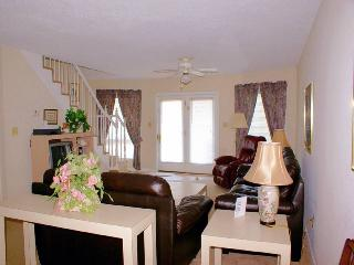 Lovely 3 bedroom Condo in Surfside Beach with Shared Outdoor Pool - Surfside Beach vacation rentals