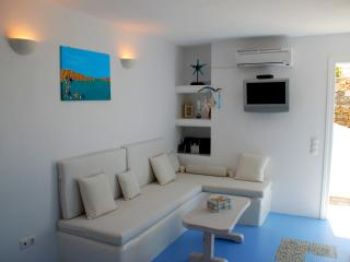 Luxurious Studio Iro Amazing View for couple - Aggelika vacation rentals