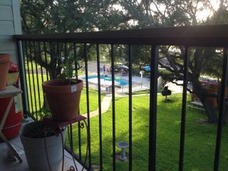 Condo near lake,marina, restaurants, Winter Texans - New Braunfels vacation rentals