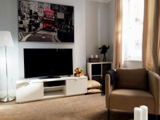 New! Luxury!covent Garden Townhouse - London vacation rentals