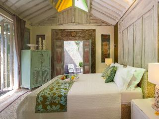 Shinta room at Palmae villas - Seminyak vacation rentals
