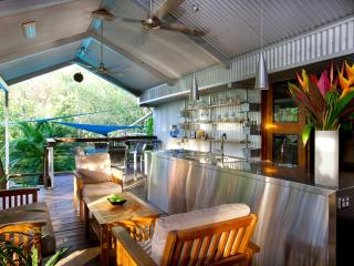 North 12 Degrees Stunning Tropical Architecture - Darwin vacation rentals