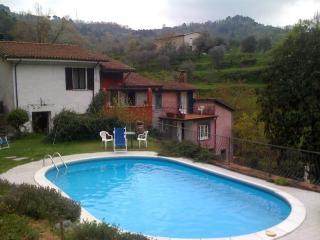 Il Mulino tra Liguria e Toscana 2/4 pax + cane - Fosdinovo vacation rentals