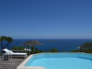 Very private and unique villa with wonderful views of Colombier WV BYZ - Colombier vacation rentals