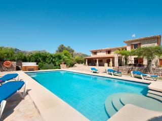 VP40 Apostol - Pollenca vacation rentals