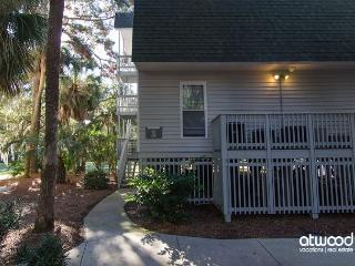 Driftwood Villa 280 - Adorable, Pet Friendly First Floor One Bedroom Villa - Edisto Island vacation rentals