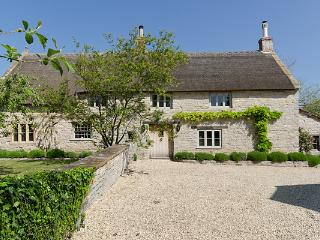 2 bedroom Cottage with Internet Access in West Pennard - West Pennard vacation rentals