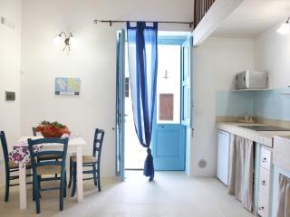LA CORTE DEI COLORI appartamento blù - Spongano vacation rentals