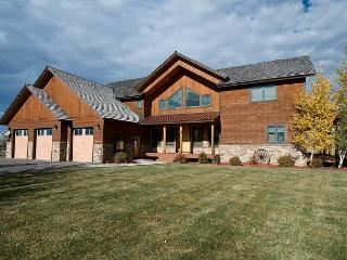 Saddleback Vistas! Huge Views, Ideal Location, Hot Tub & WiFi. 5 stars! - Driggs vacation rentals