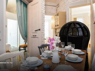 Galata6 historical vibrant 3rm 3bath-6people - Istanbul vacation rentals