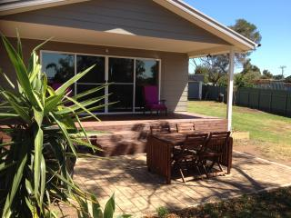 3 bedroom House with Deck in Clayton Bay - Clayton Bay vacation rentals