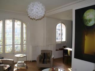 Typical Parisian flat, all comfort - Marne-la-Vallée vacation rentals
