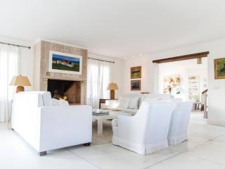 Beautiful 4 Bedroom House Located in La Punta - Punta del Este vacation rentals