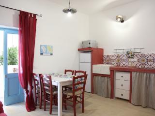 LA CORTE DEI COLORI appartamento rosso - Spongano vacation rentals