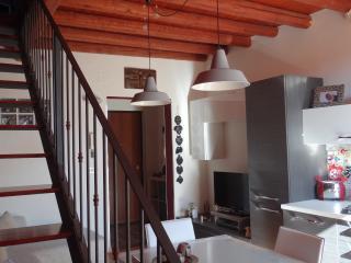 Casa sebina - Catania vacation rentals