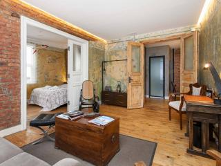 Best Location, 6 Bedroom 4 Bathroom EXCEPTIONAL .. - Istanbul vacation rentals