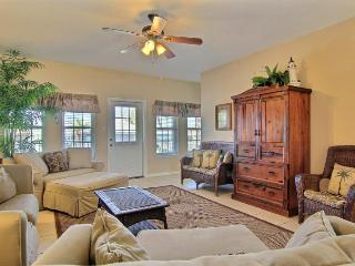 Her Happy Place, nice townhome with community pool - Port Aransas vacation rentals