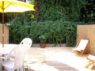 200M PLAGE Très Joli Appartement au Rdc, Grande Terrasse exposée Sud, WiFi - Saint-Brevin-l'Ocean vacation rentals