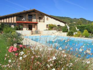 Romantic 1 bedroom Castelmoron-sur-Lot Gite with Internet Access - Castelmoron-sur-Lot vacation rentals