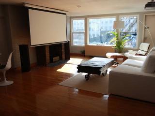 Designer Flat in Best Location - Boston vacation rentals