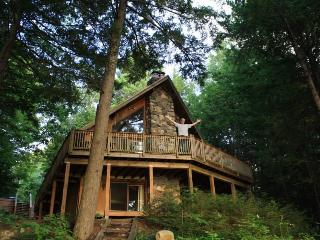 Lakefront With A Beautiful View - Casco vacation rentals