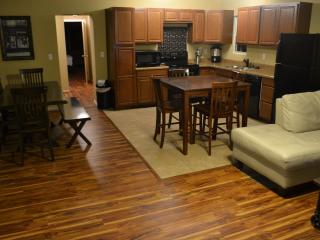 Spacious Home in Heart of Midtown by 15th! $600/wk - Tulsa vacation rentals