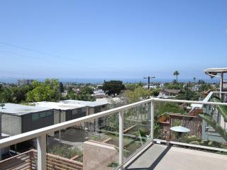 Million $ View, 750 ft of Deck, Walk to Beach/Shop - Pacific Beach vacation rentals
