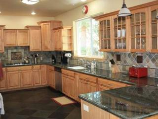 Bonners huge Lux home hot tub garage nr Tahoe City - Carnelian Bay vacation rentals
