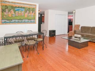 Nice 3 bedroom 1bath mins to Times Square - New York City vacation rentals