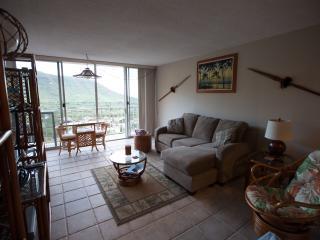 Makaha Valley Getaway - Kahuku vacation rentals