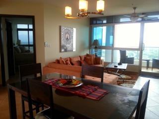Luxury 2 bdrm/2bath high floor Coronado Golf Condo - Coronado vacation rentals