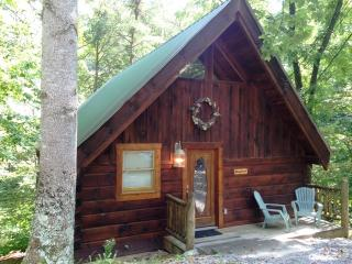 1b/1ba Alone at Last. Perfect for Honeymooners and Anniversaries!!! - Pigeon Forge vacation rentals