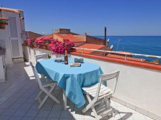 Nice 2 bedroom Cefalu Condo with Internet Access - Cefalu vacation rentals