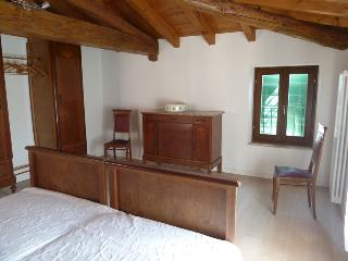 Nice B&B with Internet Access and Central Heating - Affi vacation rentals