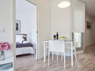 Habitat Apartments - Blanca 4 - L'Hospitalet de Llobregat vacation rentals