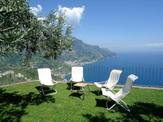 Villa Mareluna with terrace/garden and sea view - Ravello vacation rentals