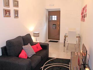 Madragoa House Apartments - centre of lisbon - Lisbon vacation rentals