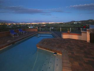 View the Tucson Valley, Luxury vacation feel - Tucson vacation rentals