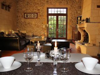 Maison de charme proche Bordeaux-Parempuyre - Blanquefort vacation rentals