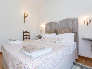 Nice Condo in Corciano with Internet Access, sleeps 5 - Corciano vacation rentals