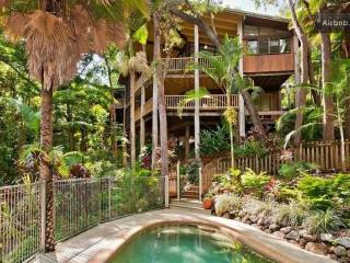 Tree House @ Trinity Beach - Cairns District vacation rentals