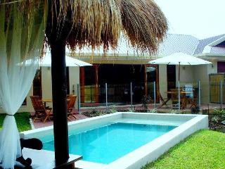 Latania Holiday Villa @ Palm Cove - Palm Cove vacation rentals