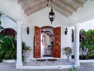 Stunning 4 Bed Villa with Pool and Ocean Views - Lower Carlton vacation rentals