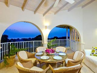 Essential 2 bedroom condo with open living space and communal facilities - Westmoreland vacation rentals