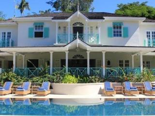 Stunning 6 bedroom private villa set in almost two acres of beautifully landscaped gardens in the heart of Barbados' renowned Sandy Lane Estate - Sandy Lane vacation rentals