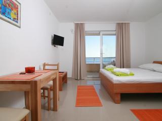 Apartments Ulix Brela - Studio - Brela vacation rentals