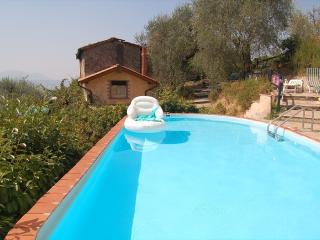 Villa Casa Media Palmata Lucca - TFR12 - Ponte a Moriano vacation rentals