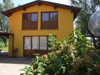 Villa Casa Depandance Lucca - TFR9 - Lucca vacation rentals